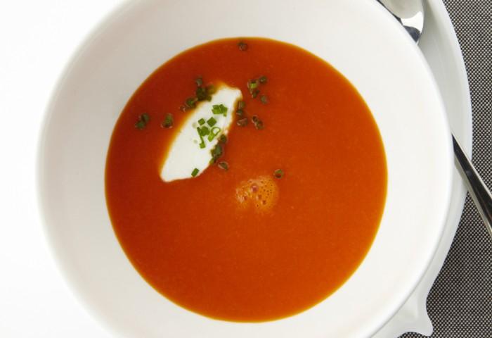 Paprika soepje met venkel